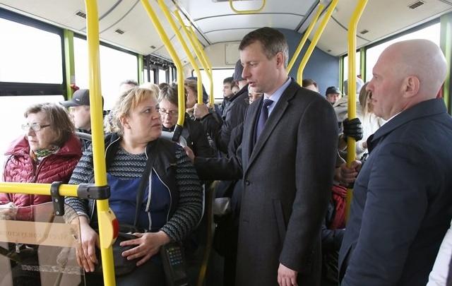 Волгоградские депутаты снова прокатились на общественном транспорте