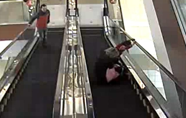 В Ярославле опубликовали видео с ЧП на эскалаторе в «Ауре»: кадры