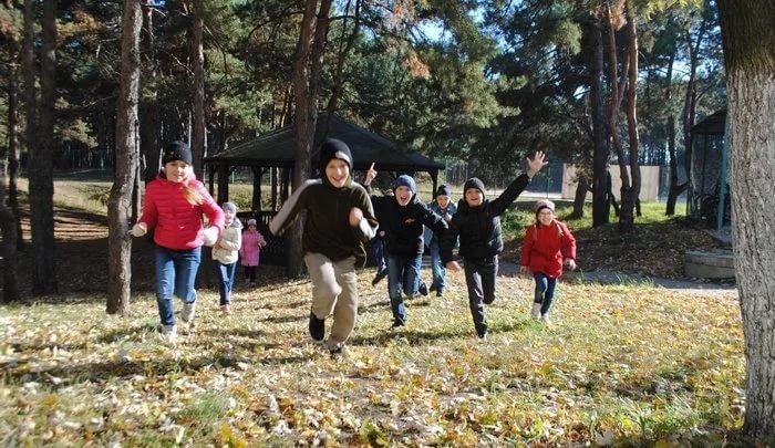 На осенние каникулы школьники Архангельска отправятся за счет областного бюджета