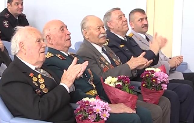 С Днем Победы сотрудники транспортного управления поздравили ветеранов-фронтовиков