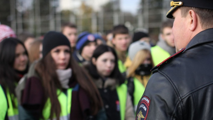 В Самарской области разыскивают несовершеннолетних: сестры вышли из дома днем и не вернулись