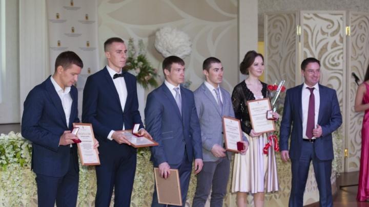 В Ярославле наградили 55 лучших спортсменов и 10 тренеров