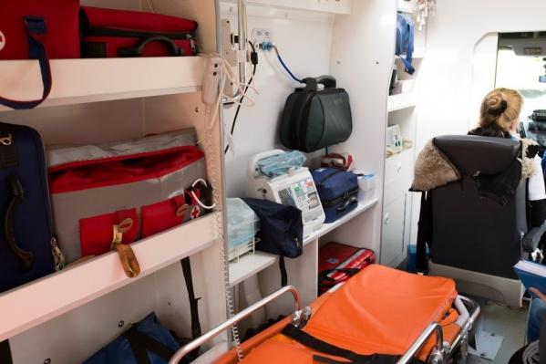Приехавшие к месту аварии врачи скорой помощи констатировали смерть старушки