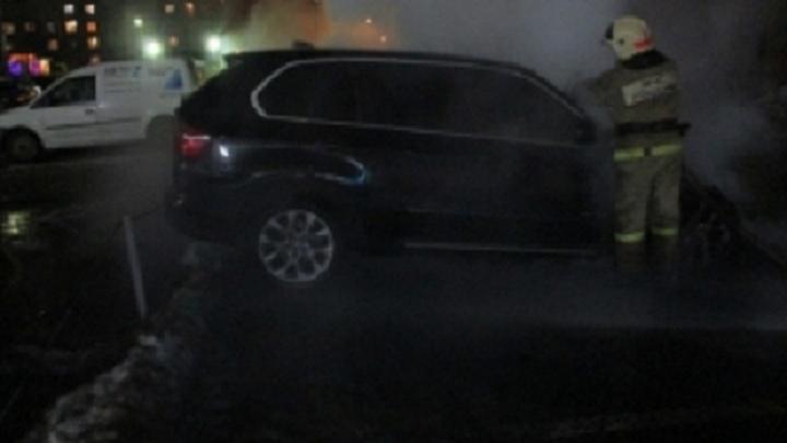 В Ярославле в Красноперекопском районе сгорел BMW