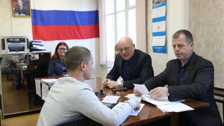 «Выполним план на 100%»: еще месяц в Архангельске продлится весенний призыв в армию