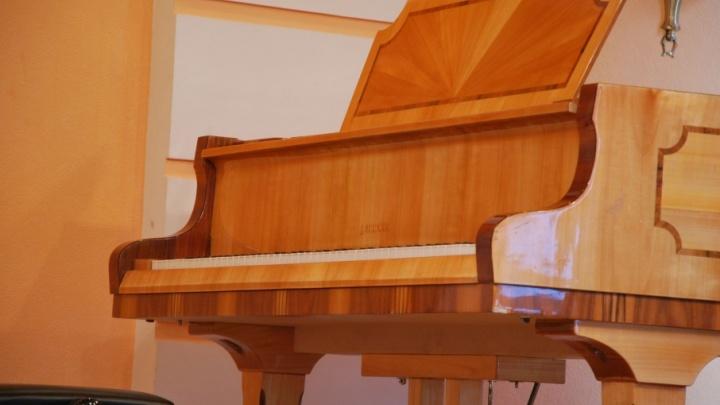 Северодвинские приставы заказали перенос фортепиано, чтобы поймать грузчика-алиментщика