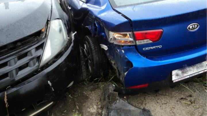 В Архангельске водитель «Киа-Церато» получил травму головы по дороге в аэропорт