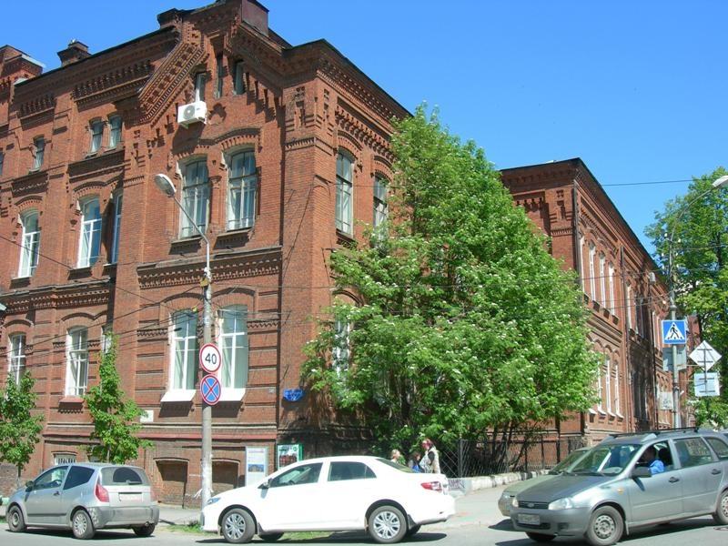 Галина Жаворонкова говорит, что некоторым здание сельхозакадемии кажется мрачным