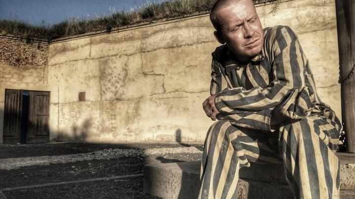 Танки, пиротехника и грим с «кровью»: пермский актёр Антон Богданов рассказал о съёмках в фильме о войне