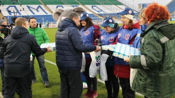 Прихватило прямо на футболе: в Самаре медики спасли жизнь болельщику «Крыльев Советов»