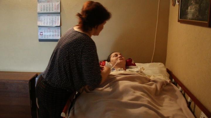 Ростовские врачи выписали из больницы пациентку в коме