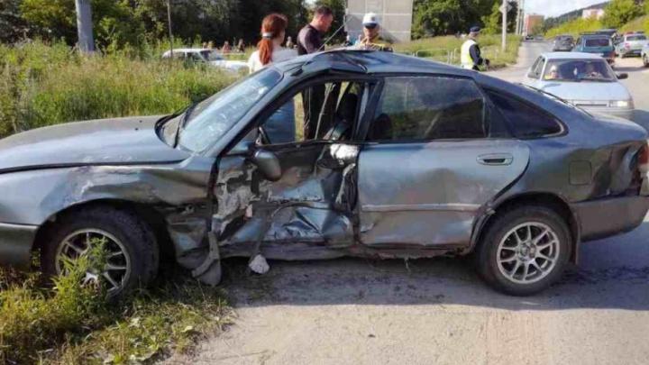 Не поделили дорогу: столкновение двух иномарок в Миассе привело к гибели пенсионерки