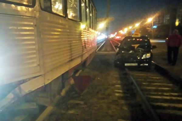 Движение трамваев стояло целый час