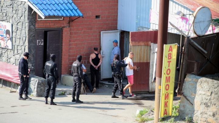 «Увезли, а обратно пешком»: всех задержанных ОМОНом грузин в Челябинске отпустили