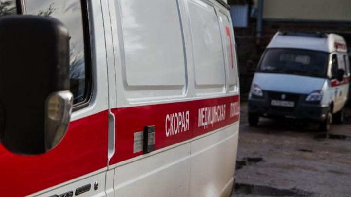 В Ростове мужчина выпал из окна 14-этажного дома