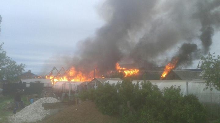 В Тольятти в Комсомольском районе сгорел дом
