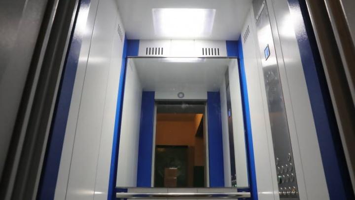В Архангельске по программе капремонта заменят 150 лифтов