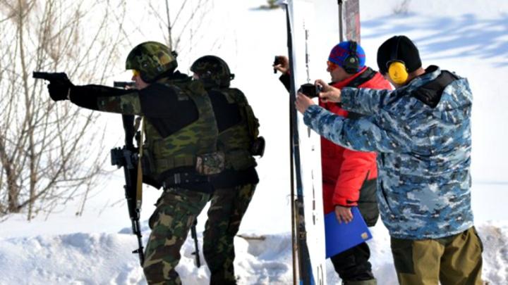 В Самаре сотрудники УФСИН состязались в стрельбе по мишеням из табельного оружия