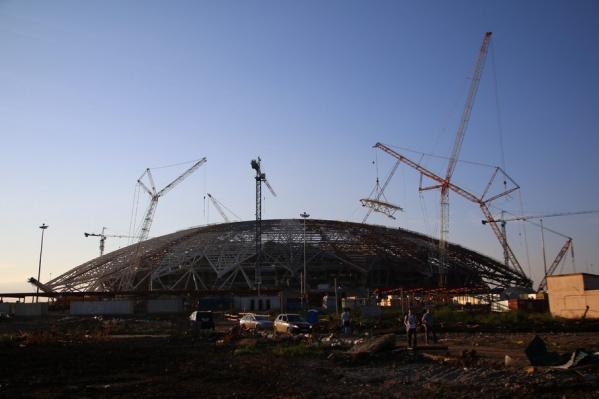 За установкой купола последует благоустройство футбольного поля
