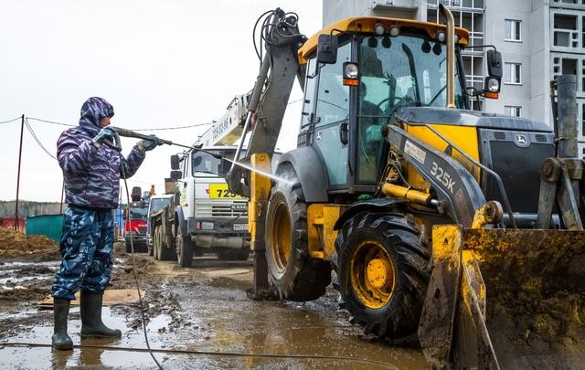 «Беспокоит, что всё напоказ»: челябинских застройщиков заставили навести чистоту