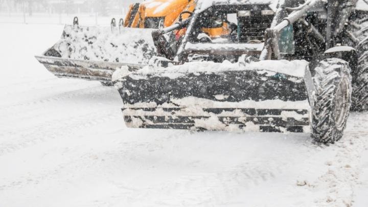 Прокуратура потребовала убрать снежные завалы на дорогах Советского района