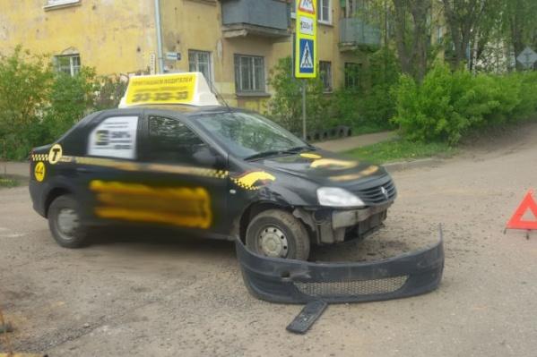 Известное такси снова оказалось в ДТП