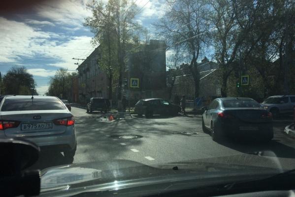 Авария затормозила движение в центр Ярославля