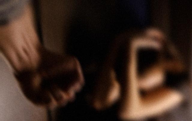 «Привязывали к стулу скотчем»: за вымогательство денег у подростка осудили троих жителей Прикамья