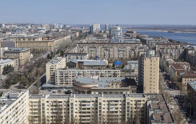В центре Волгограда сделают полностью двусторонним движение по Советской