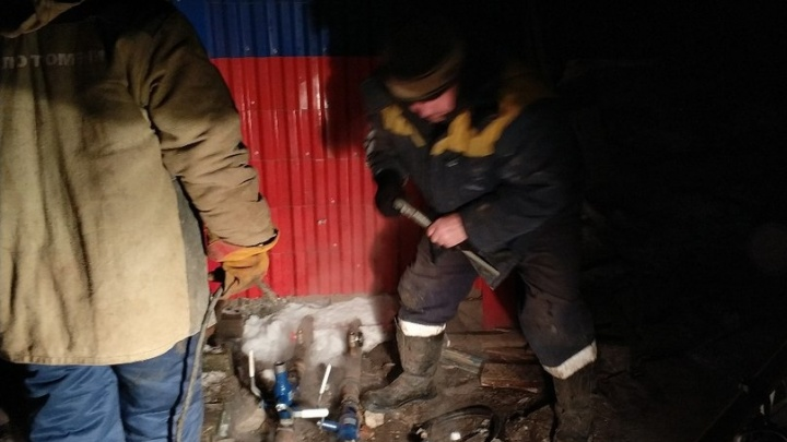 В доме, где замерзала тюменская пенсионерка, починили отопление