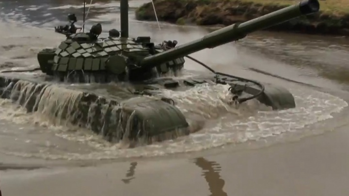 Челябинские танкисты утопили Т-72 накануне профессионального праздника
