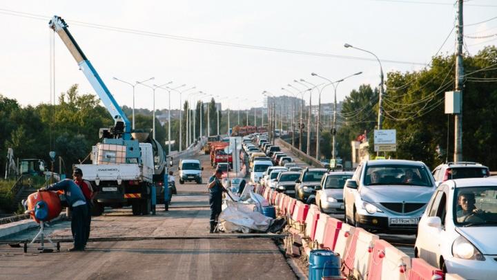 Мэрия: пробки из-за ремонта Южного моста тормозят работу общественного транспорта