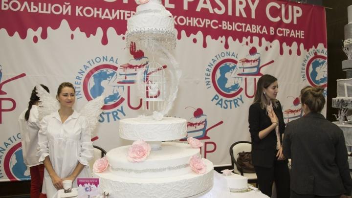 Невероятно красиво и безумно вкусно: конкурс в Челябинске собрал лучших кондитеров региона