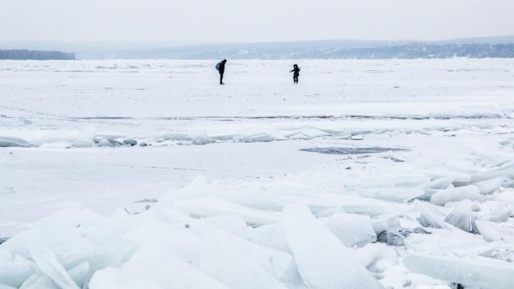 «Осторожно, промоины!»: жителям Самары запретили выходить на лёд