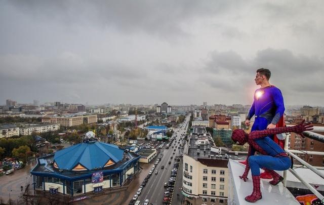 Без паники: над Тюменью замечен Супермен