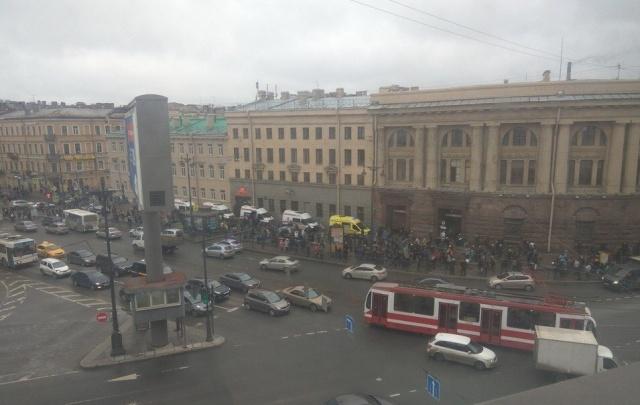 Во время взрыва в петербургском метрополитене пострадала студентка из Сургута