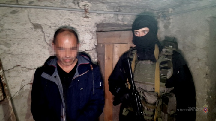 В Волгограде задержаны наркобарон-рецидивист и группа наркодилеров