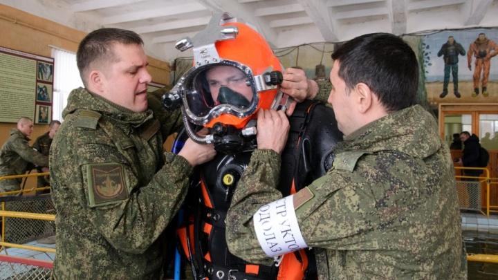 «В мутной воде, как дома»: один день из жизни военных водолазов из Волжского