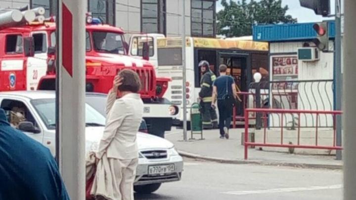 В Волгограде перегрев нового автобуса приняли за пожар