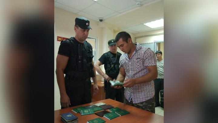 Приставы: большинство нелегалов приезжают в Самарскую область из Узбекистана