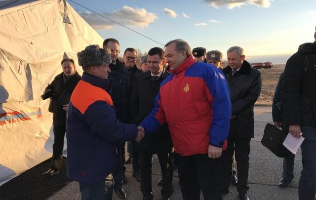 В Ярославль прилетел министр МЧС: фоторепортаж