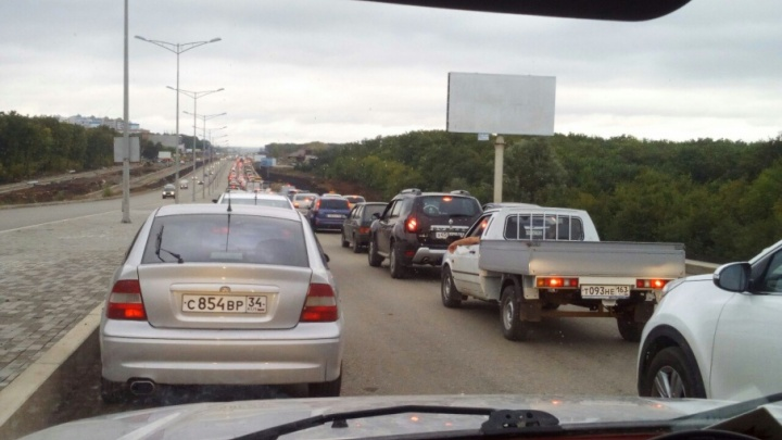 Пятничное стояние: пробки заблокировали практически все выезды из Самары