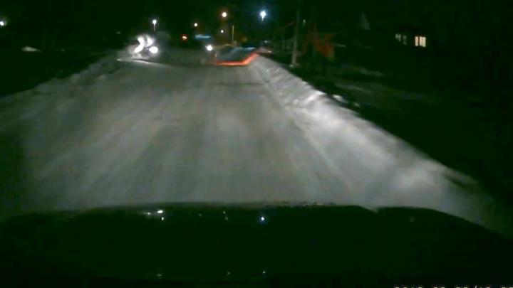 «Закрутило, как кеглю»: под Самарой таксист врезался в Chevrolet