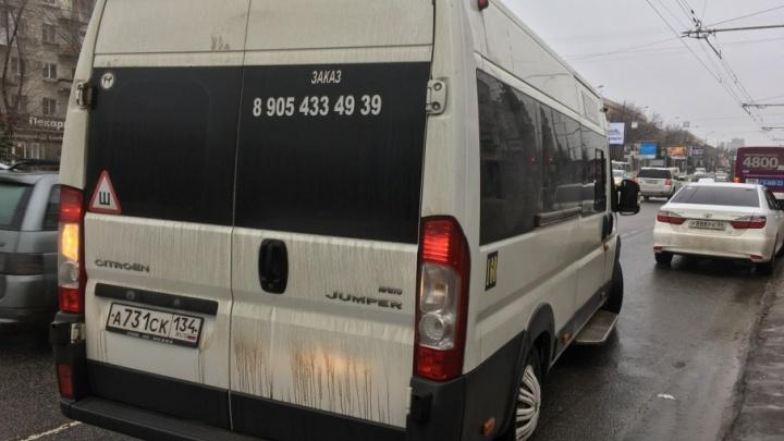 Водитель маршрутки в Волгограде: «Могу вас в мясо и дрова привезти, и мне ничего не будет»