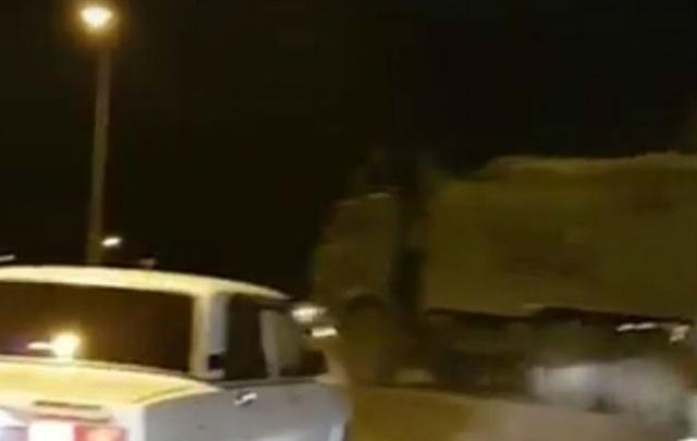 Трассу под Ростовом перекрыли из-за колонны военной техники