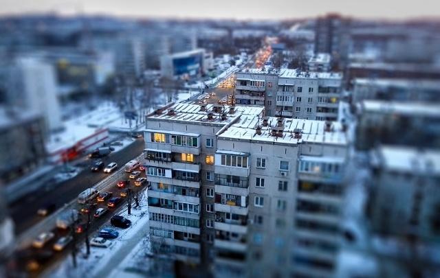 В Тольятти девушка выпала из окна восьмого этажа