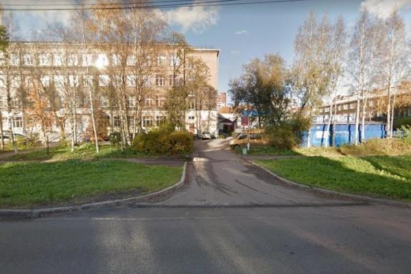 Пожар возник в корпусе 1 дома 58 на Ломоносова