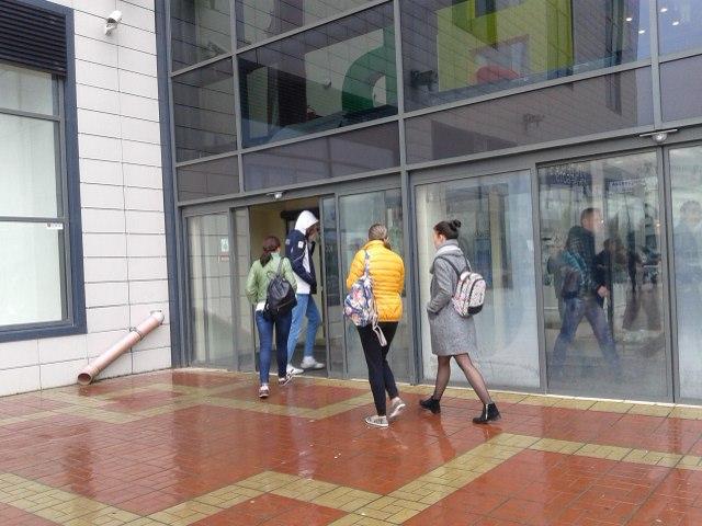 """Посетителей вновь пустили в """"Колизей"""" через 20 минут после эвакуации"""