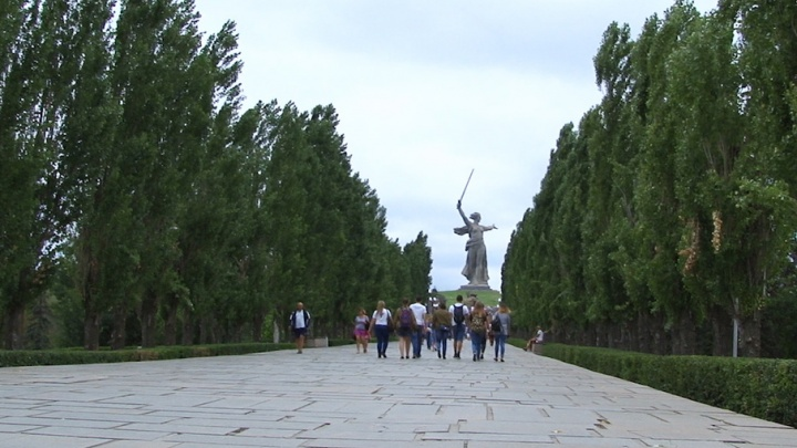Автостопом по стране или зов ностальгии: почему россияне едут в Волгоград