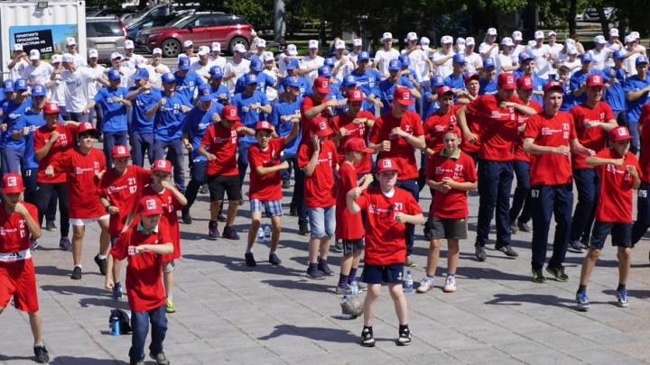 462 тюменца  поучаствовали в массовой тренировке по боксу на Цветном бульваре